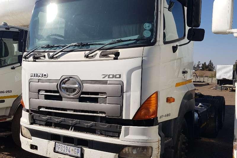 Hino Trucks Double axle Hino 700 57 450 6x4TT, Hydraulics 2005