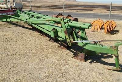 7 Furrow John Deere Beam Plough Horticulture & crop management