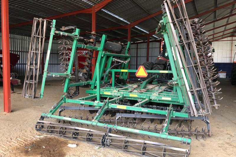 Hunting equipment Subsoiling ploughs Turbo Till 24 Foot