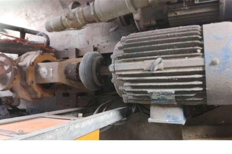 Irrigation pumps Besproeiings pomp   2 beskikbaar Irrigation