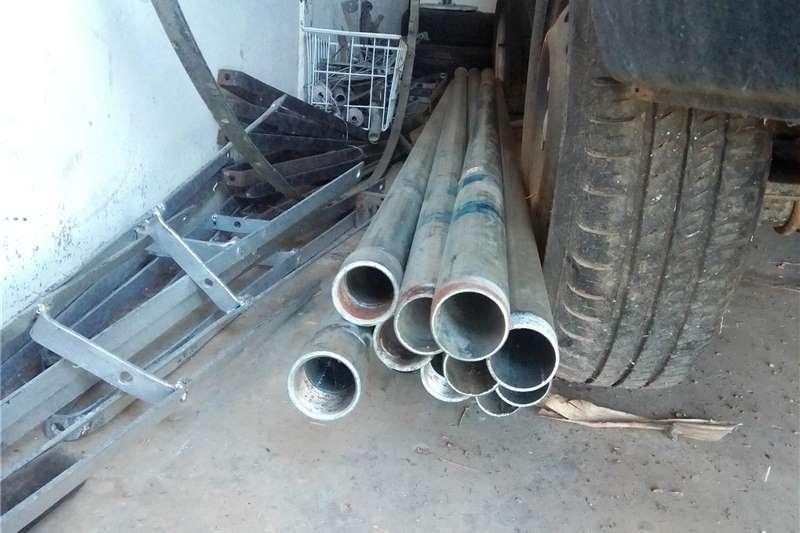 Pipes and fittings NUWE GEGALVANISEERDE BOORGATPYPE EN STANGE Irrigation