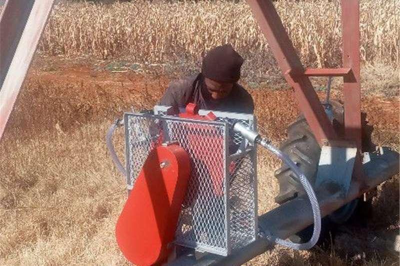 Irrigation Sprinklers and pivots 2 Toring Water Aangedrewe Spilpunt