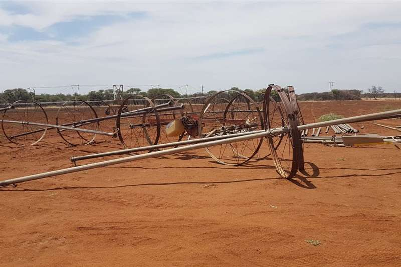 Irrigation Sprinklers and pivots Linear line irrigation