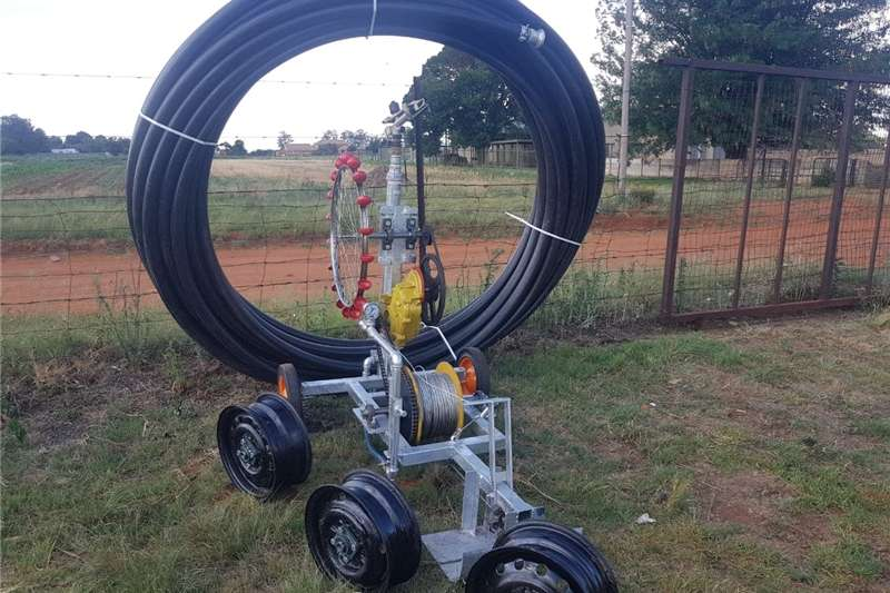 Irrigation Sprinklers and pivots Wateraangedrewe Kruip spuit
