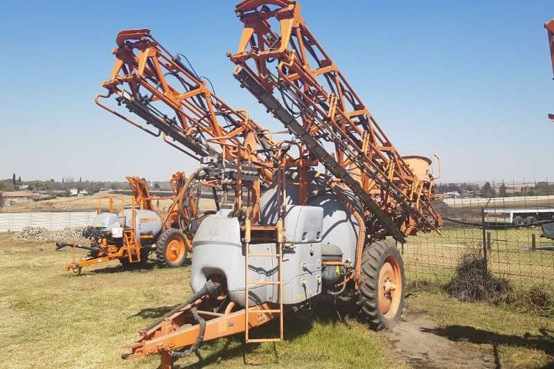 Jacto Sprayers and spraying equipment Jacto Bk3024 Sprayer 2010