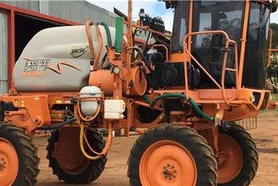 Jacto Spraying Equipment Boom Sprayers Jacto Uniport 2500 Star 2013