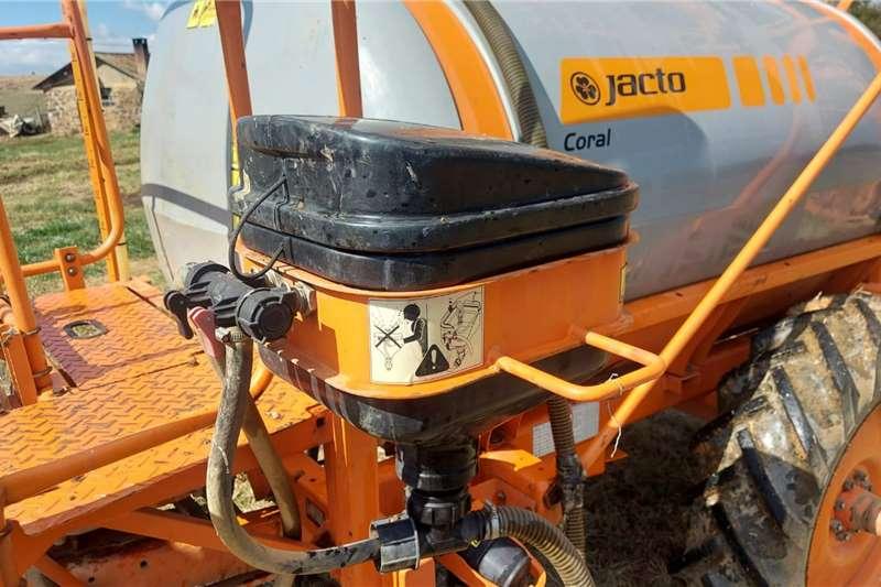 Jacto Jacto Corral 14m boom sprayer Spraying equipment