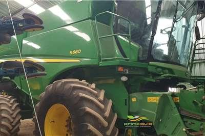 John Deere Combine Harvesters and Harvesting Equipment Grain Harvesters John Deere S 660 2012