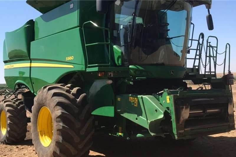 John Deere Combine Harvesters and Harvesting Equipment Grain Harvesters John Deere S 660 2012