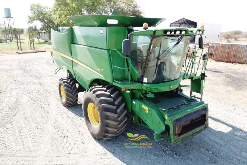 John Deere Combine Harvesters and Harvesting Equipment Grain Harvesters John Deere S 670 2014