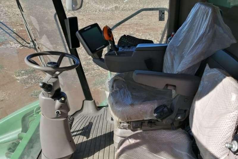 John Deere Grain harvesters S660 Combine harvesters and harvesting equipment