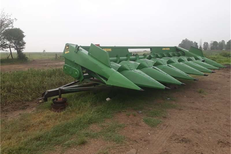 John Deere Combine harvesters and harvesting equipment