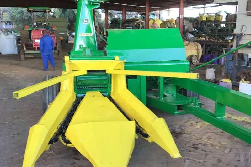 John Deere Combine Harvesters and Harvesting Equipment John Deere 3760 2ry Kuilvoerkerwer