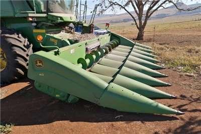 John Deere Maize heads John Deere 893 Combine harvesters and harvesting equipment