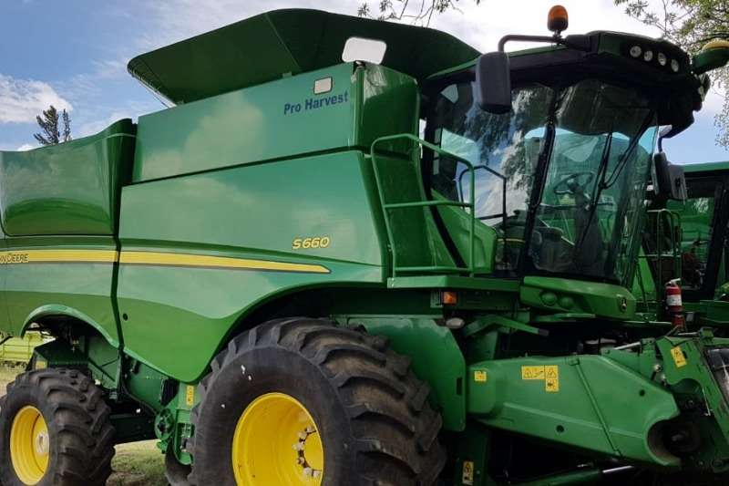 John Deere Harvesting equipment Grain harvesters John Deere S 660 2012