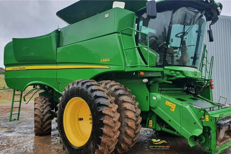 John Deere Harvesting equipment Grain harvesters John Deere S 660 2012