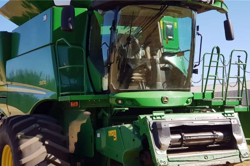 John Deere Harvesting Equipment Grain Harvesters John Deere S 670 2015