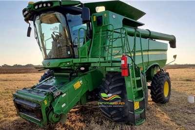 John Deere Grain harvesters John Deere S670 Harvesting equipment