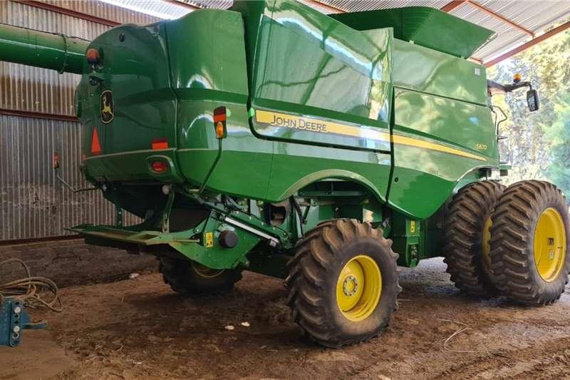 John Deere Grain harvesters John Deere S670 A/T RTK Harvesting equipment