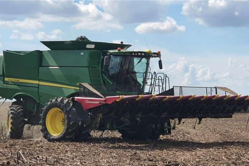 John Deere Grain harvesters John Deere S770 Harvesting equipment