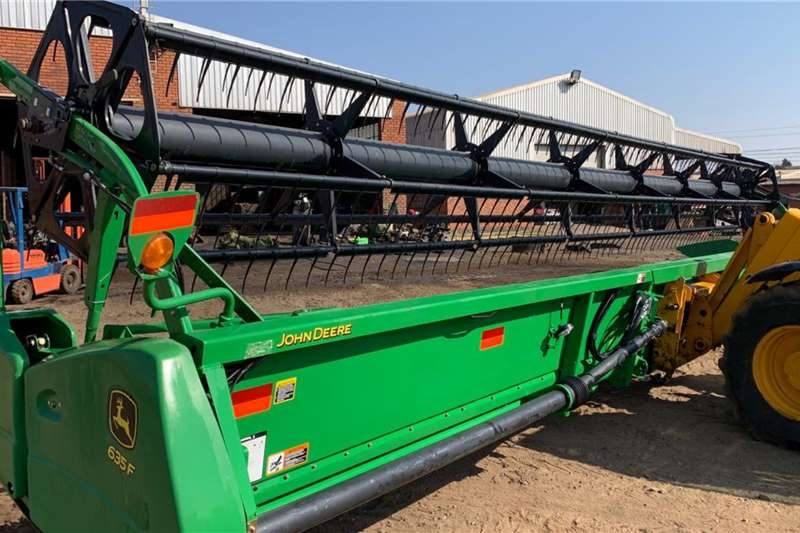 John Deere Grain headers John Deere 635F Hydroflex 35ft Harvesting equipment