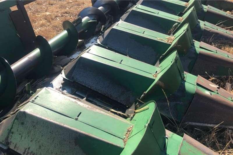 John Deere John Deere 644 6row 0.76cm Maize Header Harvesting equipment