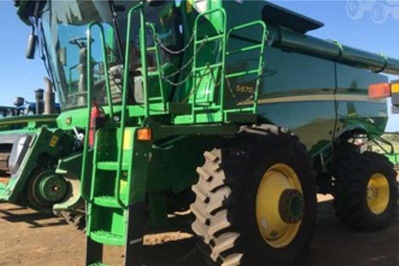 John Deere Harvesting equipment JOHN DEERE S670 2011