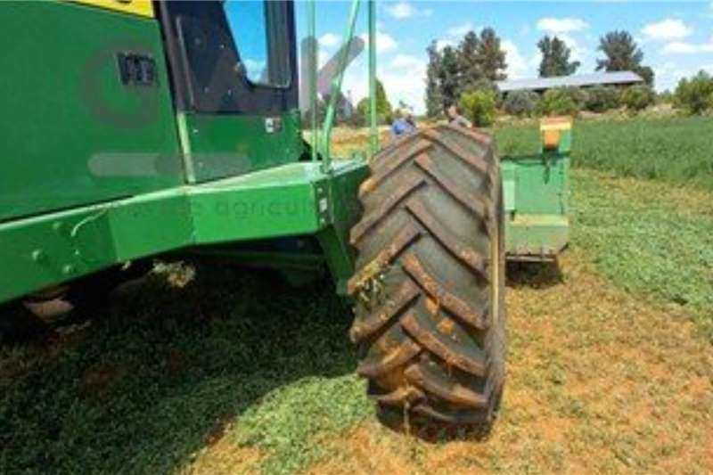 John Deere Windrowers John Deere 4995 Harvesting equipment