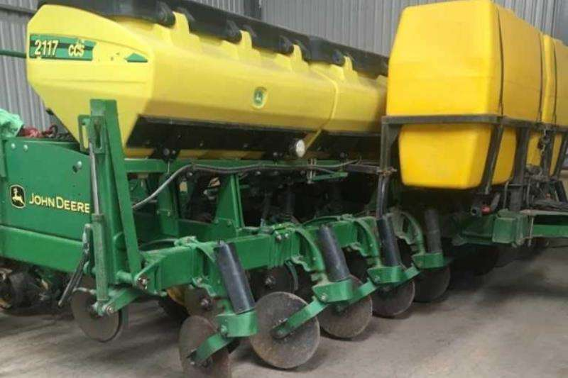 John Deere Planting and seeding 2117 CCS No Till Planter 10row,76cm