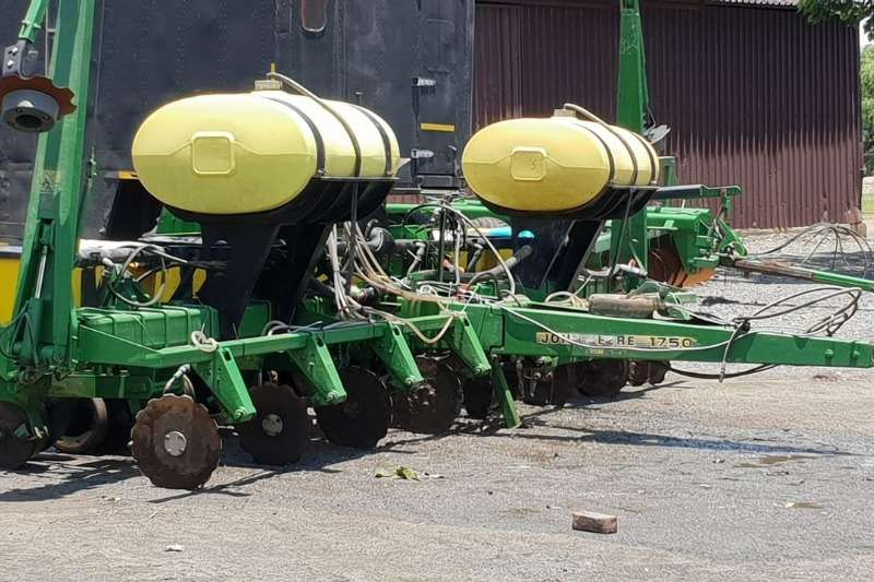 John Deere Planting and seeding Drawn planters John Deere 1750 8ry 91cm 2012