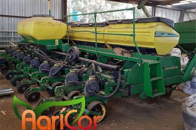 John Deere Planting and seeding equipment 2014