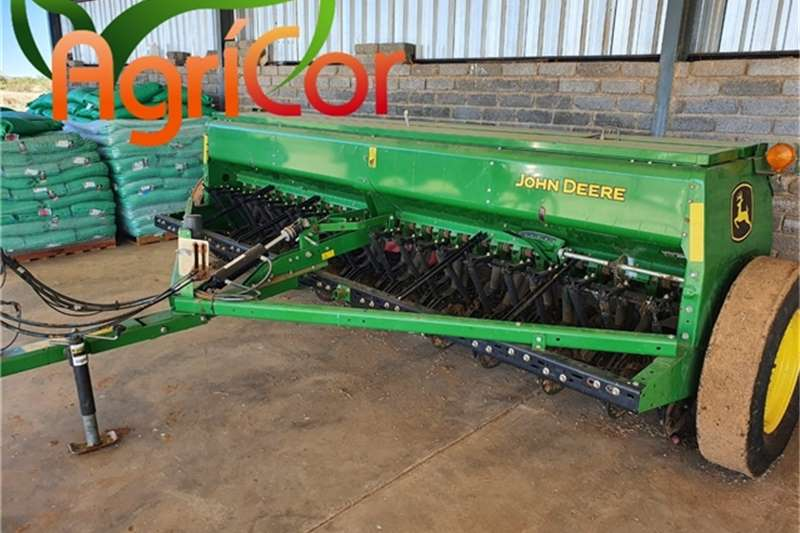 John Deere Planting and seeding equipment 2015