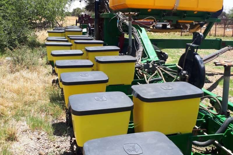 John Deere Planting and seeding equipment Drawn planters 14 Ry Equilizer air seeder planter