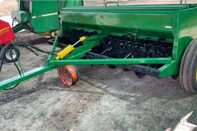 John Deere Grain drills John Deere 450 Wheat Drill Planting and seeding equipment