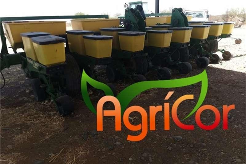 John Deere Planting and seeding equipment