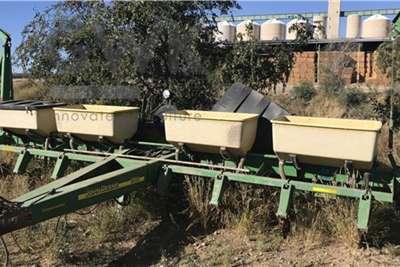 John Deere John Deere 1750 Planter Planting and seeding equipment