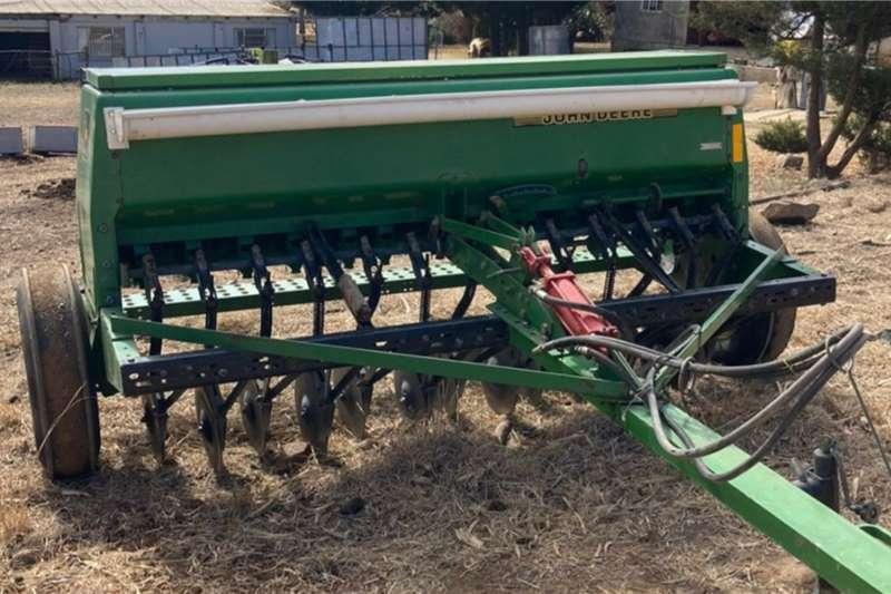 John Deere John Deere 450 4.5m wheat planter Planting and seeding equipment