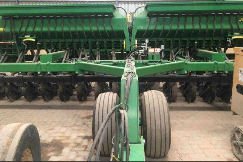 John Deere Planting and seeding John Deere 1590 No Till 6 meter