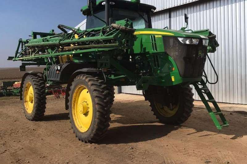 John Deere Sprayers and Spraying Equipment Boom Sprayers John Deere R 4030 2015