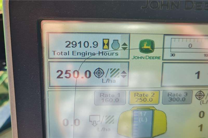 John Deere 2015 John Deere R4030 30m Boom Sprayer Spraying equipment