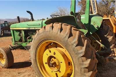John Deere 3351    (no papers) Tractors
