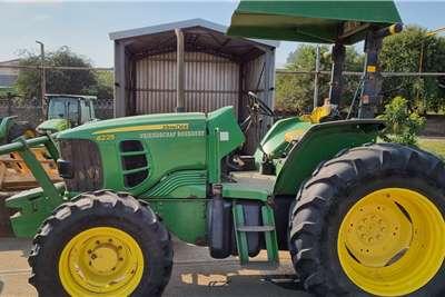 John Deere 4WD tractors 2x JD6225 4wd Tractors