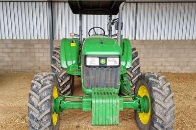 John Deere 4WD tractors JD5090 E Tractors