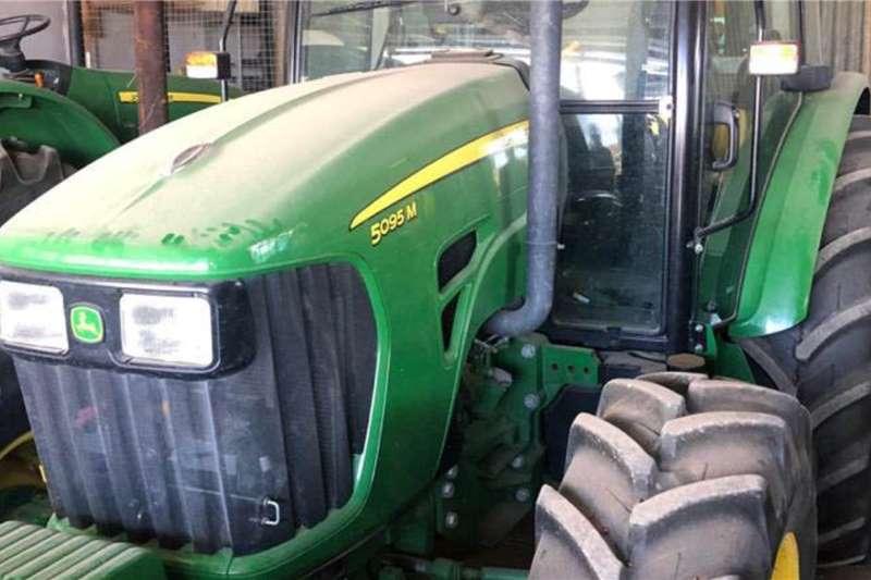 John Deere Tractors 4WD tractors John Deere 5095 M Cab 2017