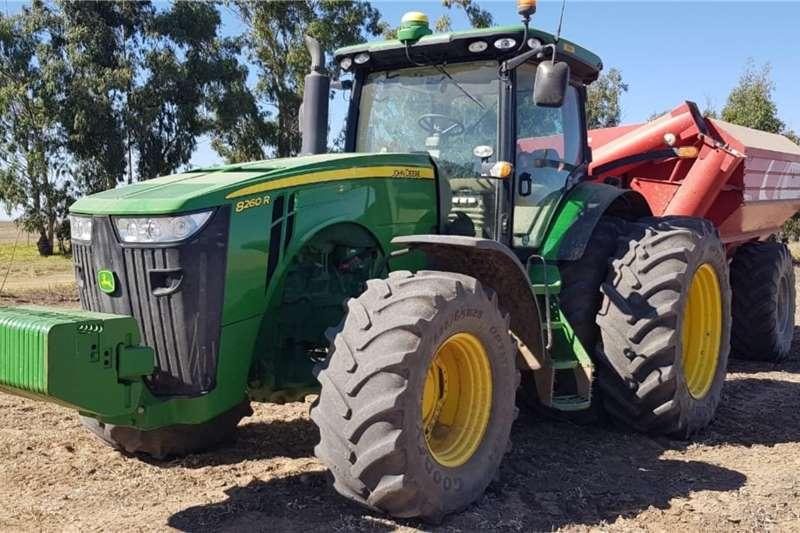 John Deere Tractors 4WD tractors John Deere 8260 R 2013
