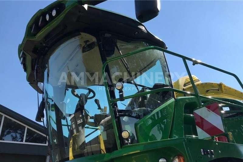 John Deere 4WD tractors John Deere 8300 Tractors