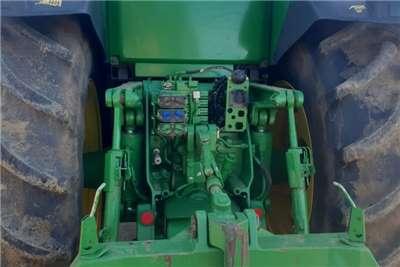 John Deere 4WD tractors John Deere 8310 R Tractors
