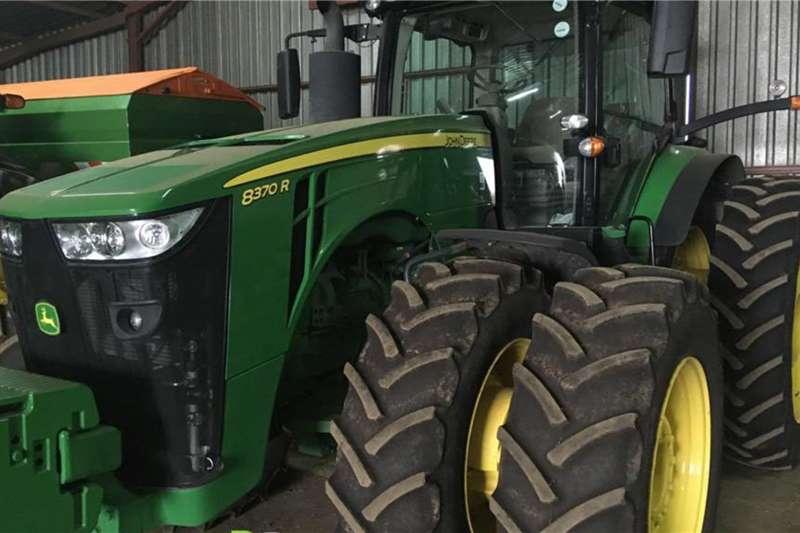 John Deere Tractors 4WD tractors John Deere 8370 R 2019