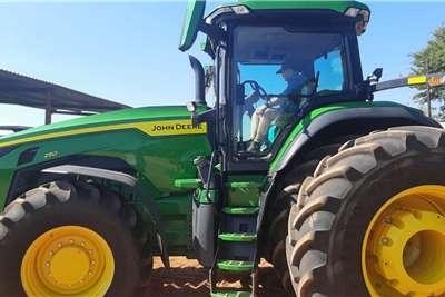 John Deere 4WD tractors John Deere 8R 250 Tractors