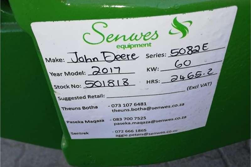 John Deere 5082E Tractors